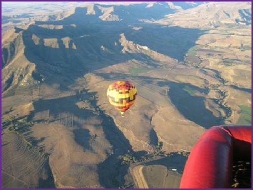 the stunning scenery around Clarens from a hot air balloon